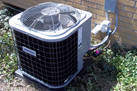 Deciding Whether to Repair or Replace Your Central Air Conditioning in Kalamazoo