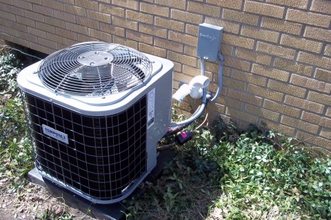 Should Your Air Conditioner in Kalamazoo be Repaired or Replaced?